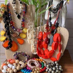 Jewelry - 17 Piece Necklace BOLD Bundle 🌺